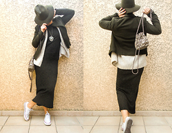 Artemis Leblog - Zara Kaki Hat, Jennyfer Long Dress, Converse White Sneakers - Camouflage