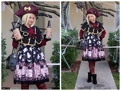 Badia Cupcake - Bodyline Caplet, Vintage Blouse, Alice And The Pirates Treasure Hunt In Mystic Islands Jsk, Teja Jamilla Tights - Pirate Festival in October