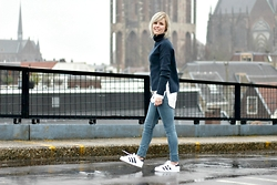 Merel - Weekday Turtleneck, Vila Shirt, H&M Skinny Jeans, Adidas Originals - WOULD YOU STICK AROUND