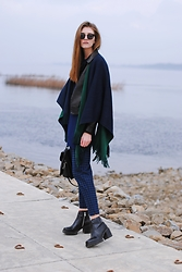 Yulia Sidorenko - Banggood Poncho Cape, Papaya Leather Jacket, Oasap Top, Zara Boots, Dresslink Sunglasses - Two side poncho cape