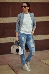 Butterfly Petty - Wholesalebuying Coat, Newdress Jeans, Guess Bag, Style Moi Blouse - Spring fashion