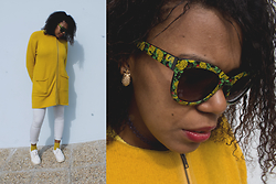 Yara Snow'z - Primark Gold Pineapple Earring, Primar Pineaple Sunglasses, Primark Blue Neck Choker, Primark Mustard Jacket, C&A Mustard Socks, Bershka White Sneakers - Pineapple addicted