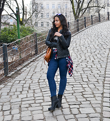 Chiara Culture With Coco - Firmoo Blue Sunglasses, Freaky Nation Faux Leather Coat, American Vintage Grey Shirt, New Look Stone Washed Jeans Indigo, Prada Sport Platform Boot, Superdry Lumberjack Style, Belmondo Brown Leather Rucksack - Lumberjack Style