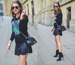 Stephanie Van Klev - Kenzo Sweatshirt, Liu Jo Skirt, Chanel Boy Bag, French Connection Uk Ankle Booties, Ray Ban Sunnies - KENZO TIGER <3