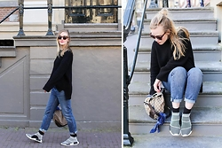 Ruth Van Soom - Cos Black Knit, Alexander Wang Boyfriend Jeans, Gucci Bag, Adidas Sneakers, Urban Outfitters Shades - Adidas NMD Primeknit city socks