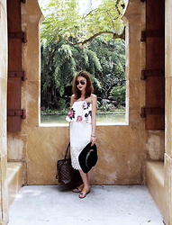 Leonie Leong - Cameo Bustier, Louis Vuitton Bag, Forever 21 Hat, Loeffler Randall Sandals - Moroccan Dreams