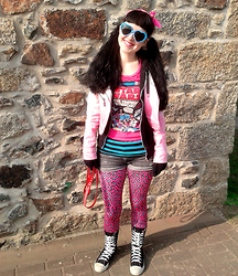 Tamsyn Martin - Velvetvolcano Azure Heart Shaped Sunglasses, H&M Star Wars Tshirt, H&M Turquoise & Black Striped Tshirt, H&M Grey Denim Shorts, Topshop Hot Pink & Turquoise Leopard Leggings, Lipgloss & Black White To Pink Ombre Biker Jacket, H&M Black Hoody, Black Calf Length Lace Up Boots, Pets At Home Dog Lead ;), Pink Bandana, Kids Thermal Gloves - The Pink Strikes Back!
