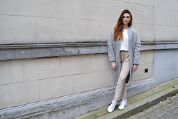 Sofie Rome - Noisy May Grey Wool Coat, Zara Beige High Waist Trousers, Adidas Stan Smiths Luxe - Stan Smiths & greige