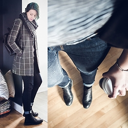 Becki Peckham - Joe Fresh Thick Black Scarf, Vero Moda Plaid Jacket - 9