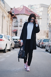 Silvia F. - H&M Coat, H&M Sweater, Mango Pants, Nike Sneakers, Fiorelli Bag, Christian Dior Sunglasses - IG: @silviafortu_