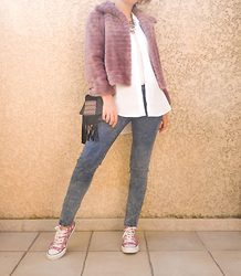 Artemis Leblog - Mango Faux Fur Jacket, H&M Long Shirt, Jennyfer Destroy Jegging - Rose shocking