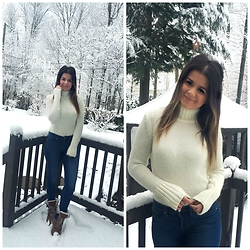 Madaby Mada - Asos Turtleneck Sweater, Levi's® 311 Shaping Jeans, Pajar Winter Boots - Micro-Trend: The Sweater Tuck