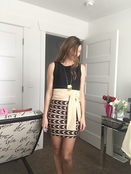 Cindy Batchelor - Zeagoo Black Tank Top, Zeagoo Aztec Print Skirt, Spunkysoul Gold Long Fringe Necklace - The Perfect Night Out Go To: Black Tank top and aztec skirt