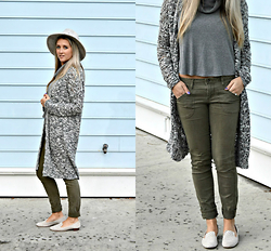 Jennifer Therese - Forever 21 Wool Fedora, Urban Outfitters Turtleneck Crop, Pacsun Green Jeans, Vince Camuto Loafers - Greys & Blues.