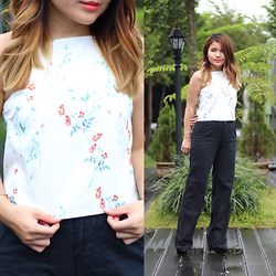 Sarah Mai - Zalora Floral Halter Neck Top, Giordano Black Long Pants, Pandora Charm Bangle, Mod Black Pumps - Floral Halter Neck Top
