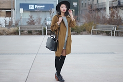 Jeannie Y - Topshop Coat, Zara T Shirt Dress, H&M Hat, Auxiliary Bag - TFW Day 1: Autumn Feels