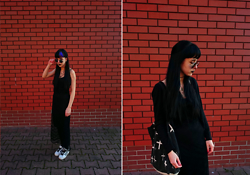 Alice A. - Adidas White Black Superstars, H&M Black Sweater, Primark Cotton Bag, H&M Round Holo Glasses - The Last Wish