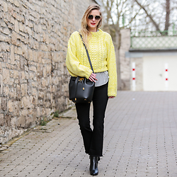 MOD - by Monique - Gucci Sunglasses, H&M Sweater, Zara Kick Flare Jeans, Michael Kors Collection Bucket Bag - Yellow Vibes│Gucci Leo Sunnies