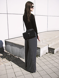 Diana - Bershka Wide Leg Trousers - TRANSITION