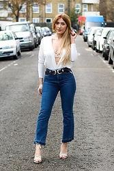 Tania - Zara Jeans, Pretty Little Thing Top, Urban Outfitters Bra, Public Desire Shoes - Cropped flare jeans