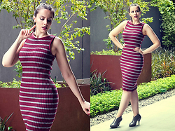 Joyce Nunes - Renner Ribbed Striped Midi Dress, Melissa Ashanti Grey Ankle Boot - Ribbed