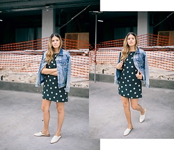 Maristella Gonzalez - Saint Laurent Studded Denim Jacket, Saint Laurent Daisy Print Dress, Dolce Vita Mules - Neo Grunge Look