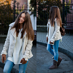 Gabriela Grębska - Noos Icon Boots, Lookbookstore Sweater, Rosewholesale Jacket, H&M Jeans, Vero Stilo Backpack - White jacket