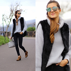Marianela Yanes - Christian Dior Sunglasses, Sheinside Sweater, Zara Jeans, Gioseppo Booties - Textures