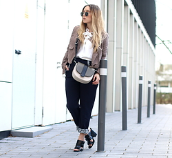 Fashiontwinstinct - &Otherstories Bag, Missguided Jacket, Missguided Lace Up Top - Lace up & Khaki Details.