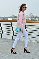 Jovana Radojicic - Frontrowshop Sweatshirt, Zara Jeans, Kurt Geiger Shoes, Furla Bag - FAVORITE SHOES