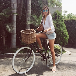 Giuliana ♡ - Coach Flats, Abercrombie & Fitch Denim Shorts, Zara White Blouse, Ray Ban Blue Sunnies, Chloé Chloe Bag, Salvatore Ferragamo Belt - Morning Ride