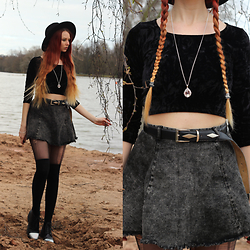 Liza LaBoheme - Agate Amethyst Necklace, Urban Outfitters Black Velvet Crop Top, H&M Denim Skater Skirt, Vagabond Iridescent Platforms - Wake me up when winter ends