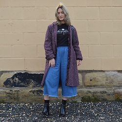 Ellie Fowler - Rokit Vintage Woven Coat, Crooks N Castles Longsleeve Tee, Monki Denim Culottes, Zara Patent Boots, Primark Backpack - At the seaside