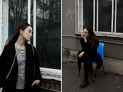 Sara Lehtomaa - Bikbok Blouse, Zara Jacket, Dr. Martens Boots - Pretty Simple