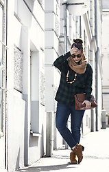 Jules - Pimkie Sunglasses, H&M Scarf, H&M Necklace, Zara Shirt, Zara Bag, Zara Jeans, Pimkie Shoes - City Lumberjack