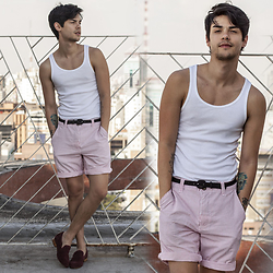 Vini Uehara - Guidomaggi Porto Cervo, Guidomaggi Porto Cervo - WHITE TANK TOP/RED STRIPES SHORTS
