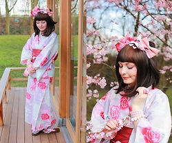Laura Dambremont -  - Sakura and Yukata