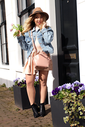 Lilia - Alexander Wang Mini Emile Bag, Alexander Wang Gabi Boots, Brandy Melville Usa Denim Jacket, Primark Fedora, Misspap Leather Skater Skirt, Misspap Body - Spring?!