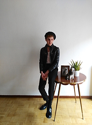 Jesús Lafuente - Mango Leather, H&M Trausers, Vintage Shoes - Nottttt