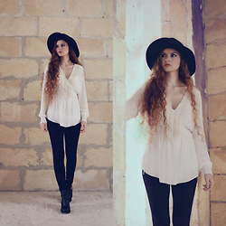 Nogynyan - Terranova Hat, Zara Blouse, Stradivarius Pants, Globo Shoes - Black and White
