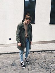 Richy Koll - Vans Sneakers, Nike Socks, Levi's® Jeans, Forever 21 Sweater, H&M Parka - Mood.