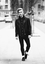 Dainius Teišerskis - Jacket, Shirt, Pull&Bear Jeans, Shoes - Spring time