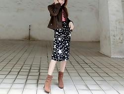 Annabelle Lao - H&M Brown Booties - Interesting stars print