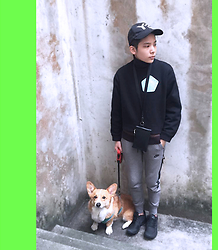 Kai Chi Lao - Y 3 Cap, Acne Studios Top, Nike Jogger Pants, Laoszoo  Ig :, Nike Shoes - ▲ #green #acne #acnestudios #nike #mbmj #puppy #y-3。▲