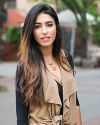 Safa Feriati - Topshop Brown Vest, H&M Necklaces - Casual look