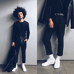 Marco Moura - Zara Pants, Adidas Stan Smith, Zara Sweater, Zara Leather Jacket, Zara Phone Case, Daniela Barros Belt - Addiction
