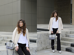 Diana Ior - Zara Shirt, H&M Flared Trousers, Missguided Ankle Boots, Stradivarius Blazer - Division