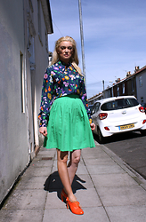 Roxanne Rokii - Vintage 1960's Silk Blouse, Principles Green Pleated Skirt C.1990's, Younique Beachfront Self Tanning Body Lotion, Office Orange Heeled Brogues C.2011 - 12.04.2016 1960's Vintage Shirt - Rokii.co.uk