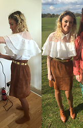 Roxanne Rokii - Twist And Turn White Frill Top 03.2016, Vintage Suede 1990's Skirt, Vintage Gold Belt 1980's, Tan Tights, Rokii Tan Shoe Boots 2015 - 31.03.2016 Twist & Turn Top - Rokii.co.uk