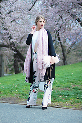 Julia - Forever 21 Coat, Zara Top, H&M Scarf, Aldo Bag, Zara Trousers, Aldo Shoes - Flore